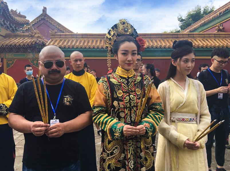 Sao nữ Trung Quốc bị đoàn phim ép đóng cảnh phòng the - 2