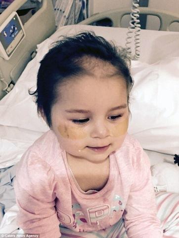 Bé gái Anh 4 tuổi chiến thắng 7 khối ung thư trong cơ thể - 4