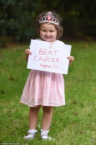 Bé gái Anh 4 tuổi chiến thắng 7 khối ung thư trong cơ thể - 6