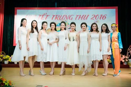 Hoa hậu Mỹ Linh sắm vai chị Hằng yêu thương bệnh nhi - 1