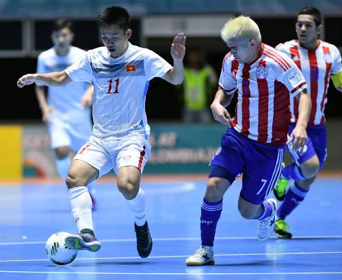 """Ảnh: Futsal Việt Nam """"trở lại mặt đất"""" trận gặp Paraguay - 9"""