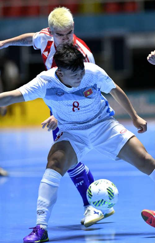 """Ảnh: Futsal Việt Nam """"trở lại mặt đất"""" trận gặp Paraguay - 3"""