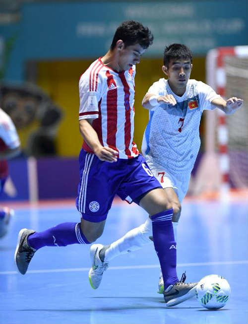 """Ảnh: Futsal Việt Nam """"trở lại mặt đất"""" trận gặp Paraguay - 4"""