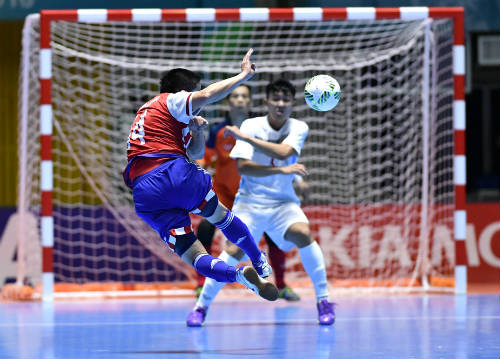 """Ảnh: Futsal Việt Nam """"trở lại mặt đất"""" trận gặp Paraguay - 5"""