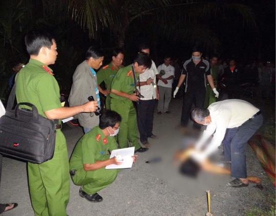 Xông vào nhà đánh phụ nữ, thanh niên bị đâm chết - 1