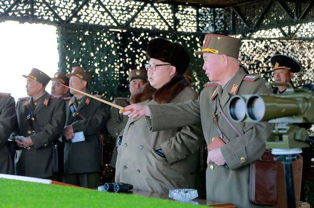 Triều Tiên chế giễu màn phô diễn sức mạnh máy bay B-1B Mỹ - 2