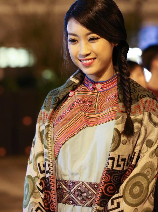Hoa hậu Mỹ Linh bất ngờ làm MC truyền hình - 6