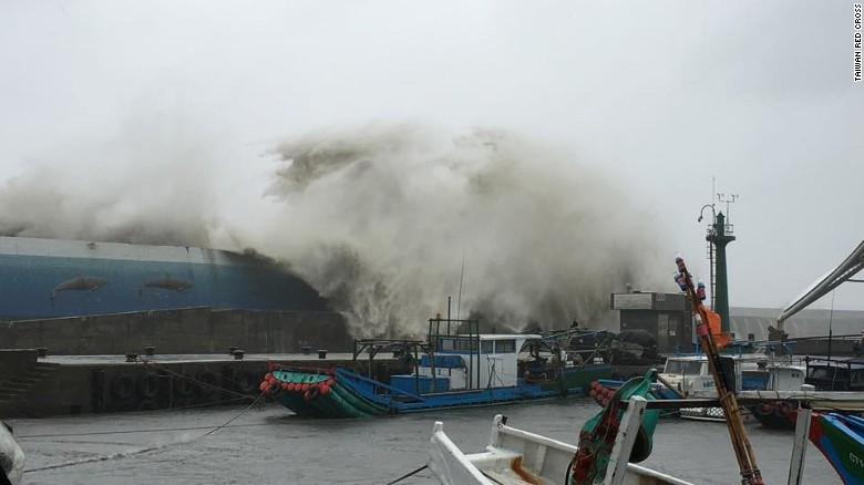 Ảnh: Siêu bão mạnh nhất năm 2016 càn quét Đài Loan - 2