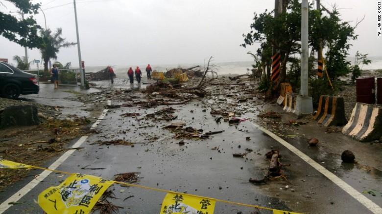 Ảnh: Siêu bão mạnh nhất năm 2016 càn quét Đài Loan - 5