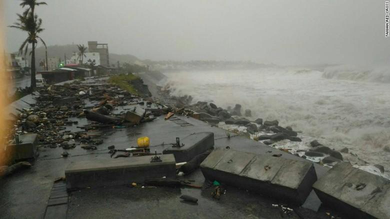 Ảnh: Siêu bão mạnh nhất năm 2016 càn quét Đài Loan - 3