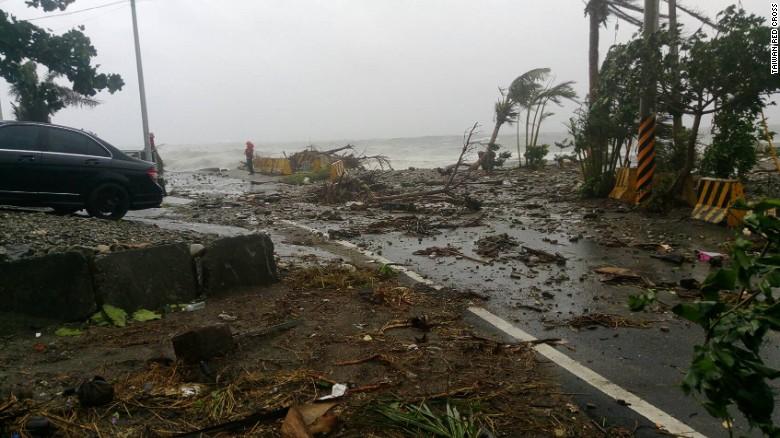 Ảnh: Siêu bão mạnh nhất năm 2016 càn quét Đài Loan - 4