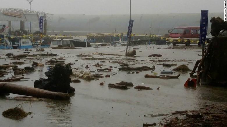 Ảnh: Siêu bão mạnh nhất năm 2016 càn quét Đài Loan - 6