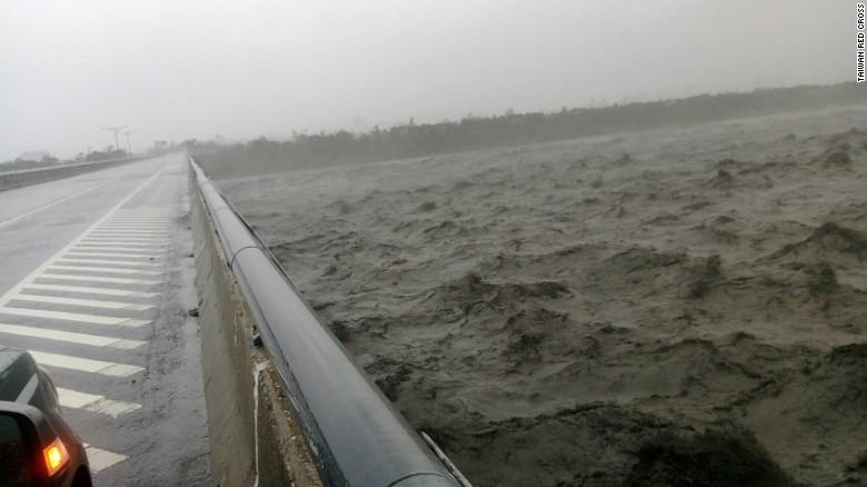 Ảnh: Siêu bão mạnh nhất năm 2016 càn quét Đài Loan - 8