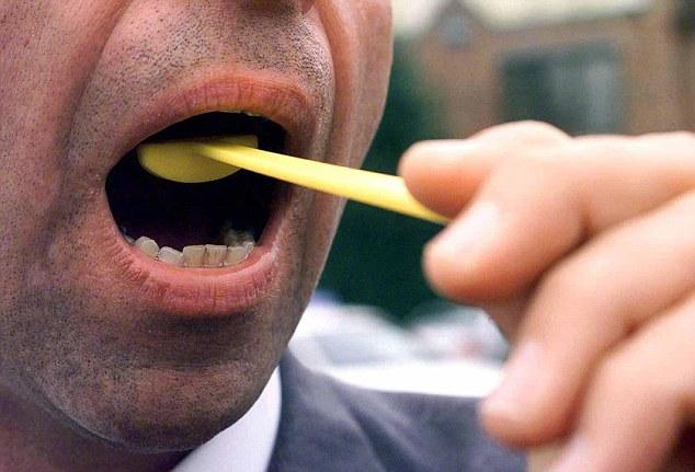 Công ty Nhật bắt nhân viên đánh răng sau khi ăn - 2
