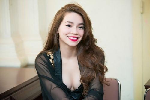 """Hồ Ngọc Hà ngày càng bạo dạn """"thả rông"""" nơi đông người - 3"""