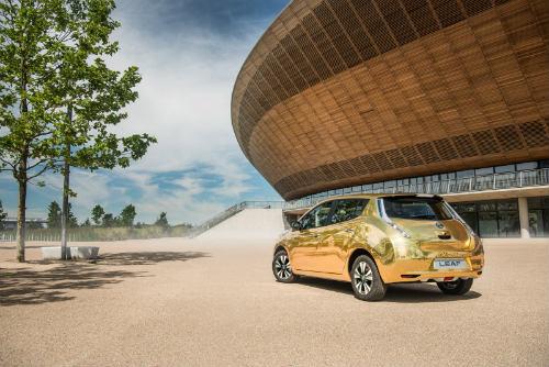 Nissan tặng ôtô vàng cho nhà vô địch điền kinh Paralympic 2016 - 5