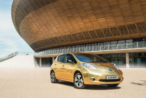 Nissan tặng ôtô vàng cho nhà vô địch điền kinh Paralympic 2016 - 4
