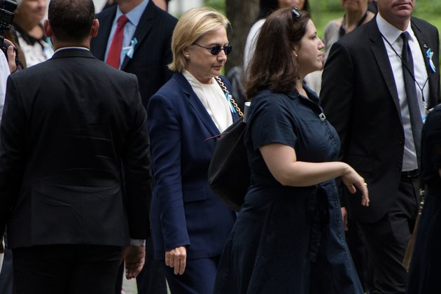 Kênh truyền hình Mỹ đưa tin nhầm bà Clinton qua đời - 4