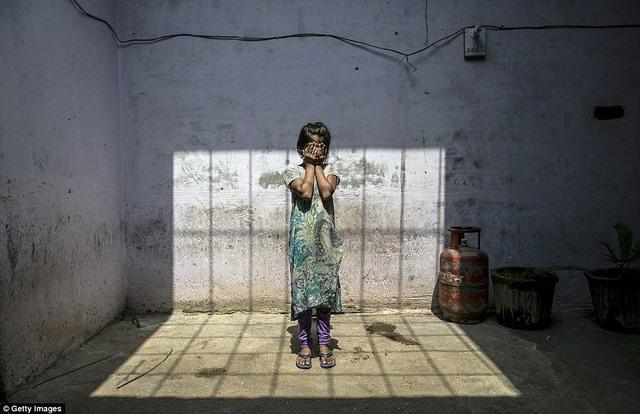 Chuyện kể rùng rợn của 5 cô gái Ấn Độ bị hãm hiếp - 3