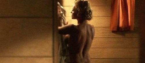 """Bom sex Pamela Anderson bị """"tuýt còi"""" vì quá gợi tình - 2"""