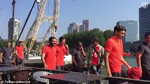 Chi tiết Feyenoord – MU: Nếm trái đắng (KT) - 15