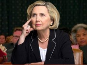 Người phụ nữ chuyên đóng giả bà Clinton kiếm bộn tiền