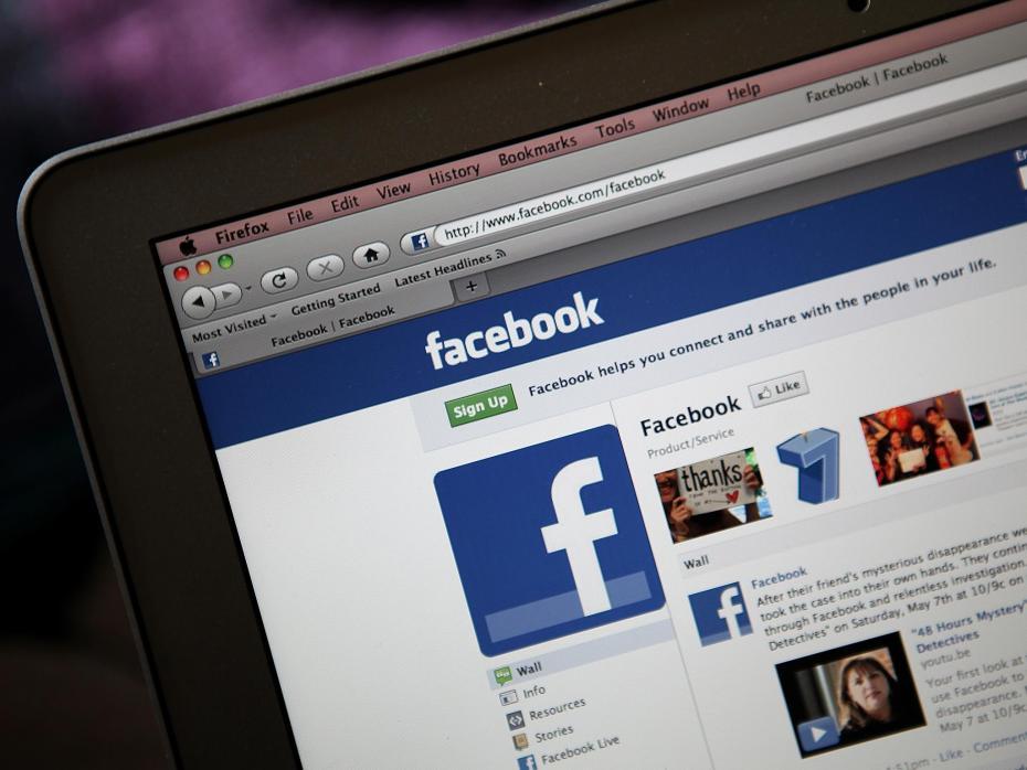 """Con kiện bố mẹ vì đăng ảnh """"dìm hàng"""" từ thời bé tí trên Facebook - 1"""