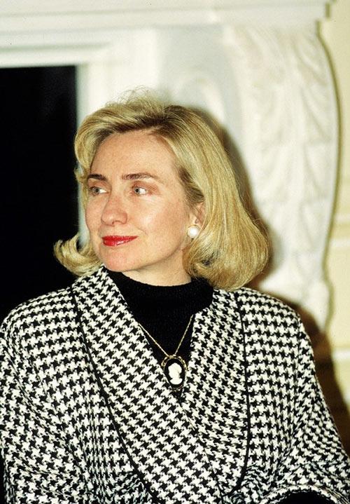 Soi phong cách thời trang của ứng viên TT Mỹ Hillary - 5