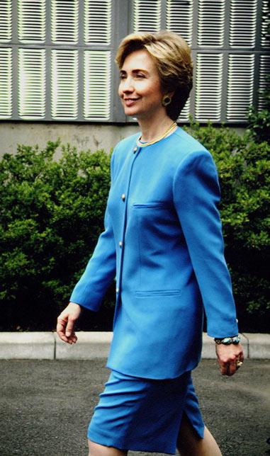 Soi phong cách thời trang của ứng viên TT Mỹ Hillary - 4