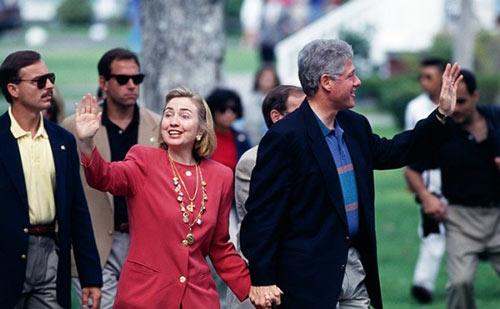 Soi phong cách thời trang của ứng viên TT Mỹ Hillary - 2