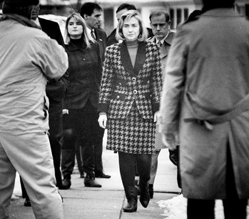 Soi phong cách thời trang của ứng viên TT Mỹ Hillary - 6