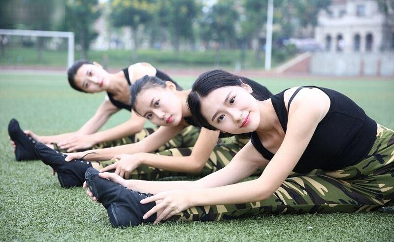 TQ: Nữ sinh học quân sự xinh hơn hoa hậu gây sốt - 6