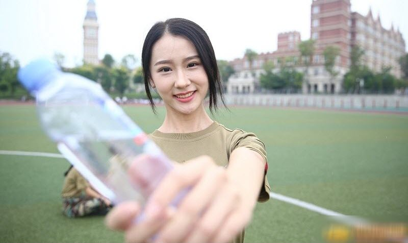 TQ: Nữ sinh học quân sự xinh hơn hoa hậu gây sốt - 9