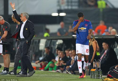 """NHA trước vòng 5: Mourinho cố mà """"bằng"""" Van Gaal - 2"""