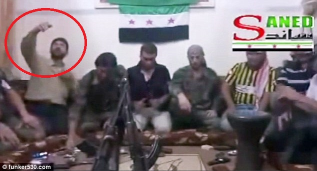 """Quân nổi dậy Syria """"tự sướng"""" nhầm với điện thoại gắn bom - 1"""