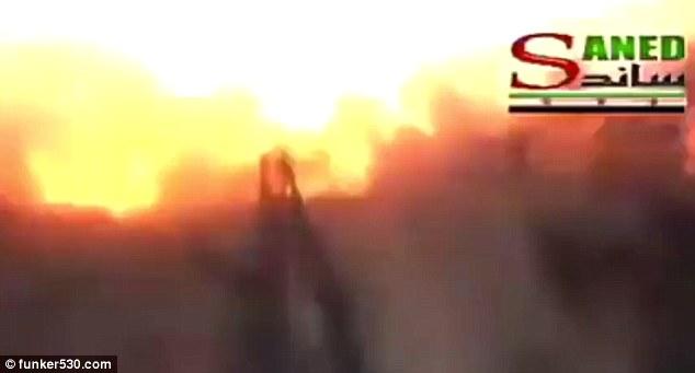 """Quân nổi dậy Syria """"tự sướng"""" nhầm với điện thoại gắn bom - 2"""