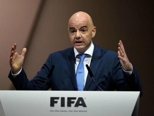 """Nóng: Quả bóng vàng FIFA sắp bị """"khai tử"""" - 2"""