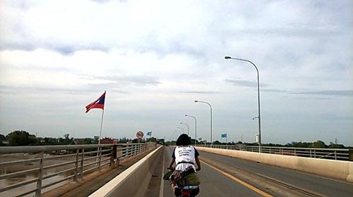 Cô gái Việt du lịch bằng xe đạp qua 4 quốc gia - 4