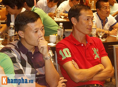 """Huyền thoại MU """"choáng"""" với fan Việt, thích Ronaldo hơn Cantona - 3"""