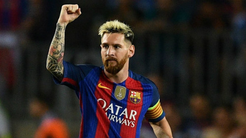 MU: Pogba đá kém vì cố bắt chước Messi - 2