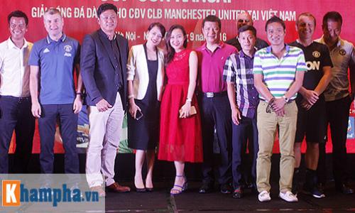 """Huyền thoại MU """"choáng"""" với fan Việt, thích Ronaldo hơn Cantona - 7"""