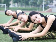 TQ: Nữ sinh học quân sự xinh hơn hoa hậu gây sốt