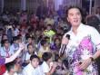 Mr. Đàm hát miễn phí, vui Trung thu cùng trẻ mồ côi