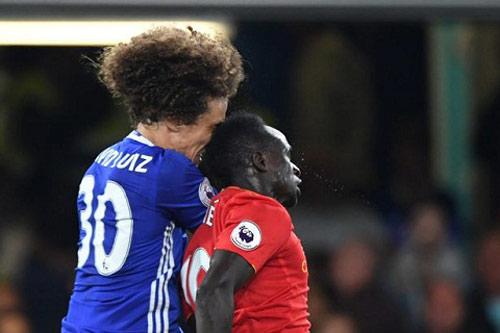 """David Luiz vỡ mũi, """"bẽ mặt"""" ngày ra mắt Chelsea - 1"""