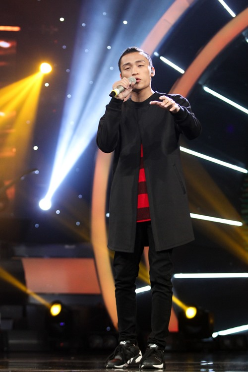 """Huy Tuấn """"tát"""" thí sinh VN Idol trên sóng truyền hình - 2"""