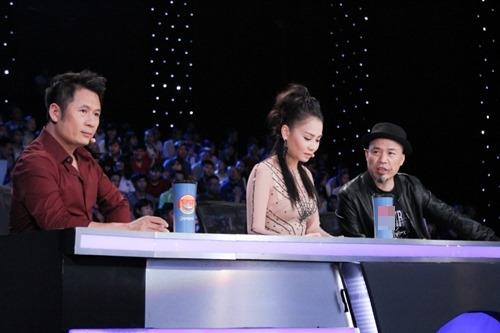 """Huy Tuấn """"tát"""" thí sinh VN Idol trên sóng truyền hình - 6"""
