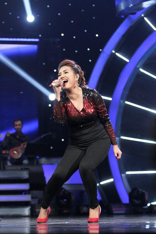 """Huy Tuấn """"tát"""" thí sinh VN Idol trên sóng truyền hình - 9"""