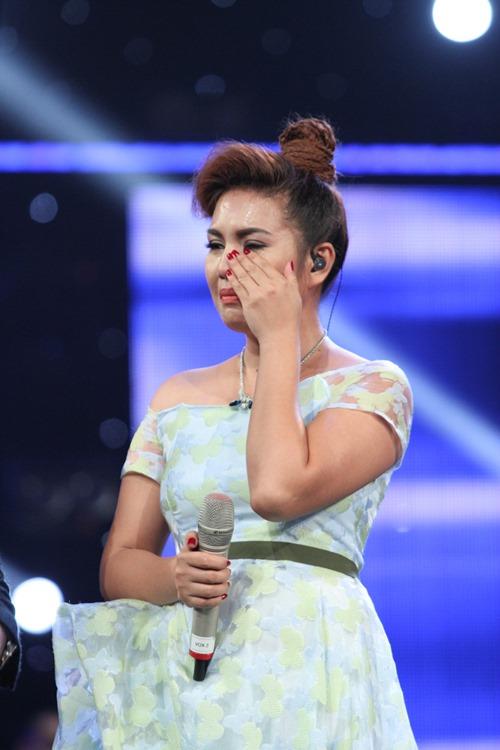 """Huy Tuấn """"tát"""" thí sinh VN Idol trên sóng truyền hình - 8"""