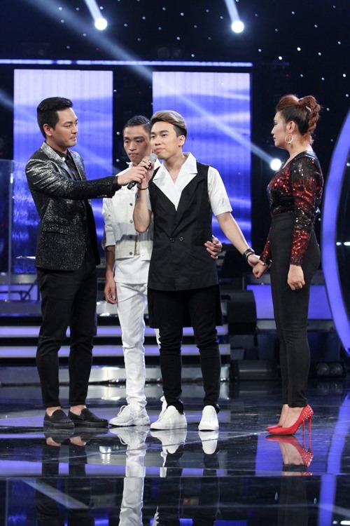 """Huy Tuấn """"tát"""" thí sinh VN Idol trên sóng truyền hình - 12"""