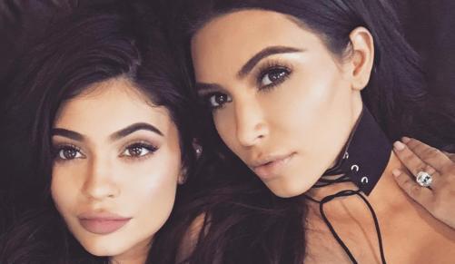 Nghiện selfie, Kim Kardashian chụp 6000 ảnh trong 4 ngày - 4
